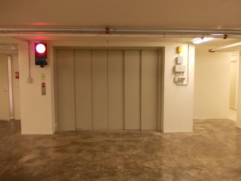 Lucrari, proiecte Ascensor pentru autoturisme - Cladire de birouri - Israel ELMAS - Poza 1