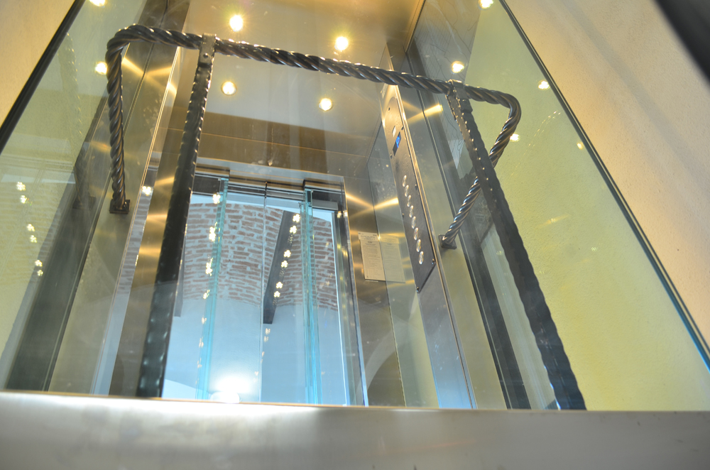 Ascensor panoramic - Hotel ALBA IULIA ELMAS - Poza 7