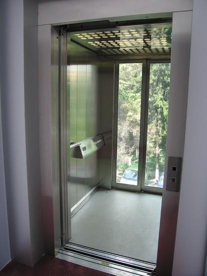 IMG_8901 panoramic Elmas Ascensor panoramic - Clinica Medicala - BRASOV