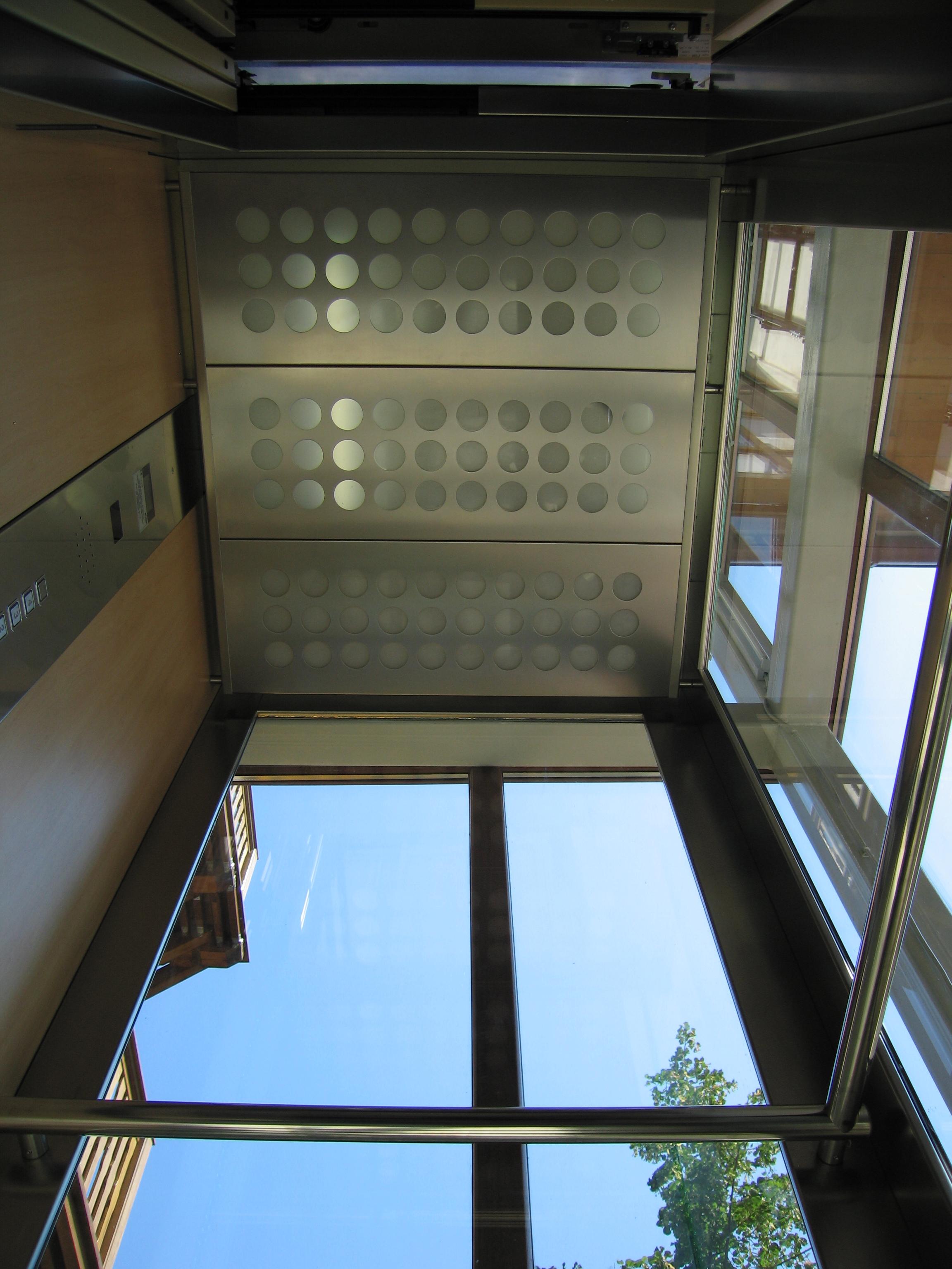 Ascensor panoramic - Hotel - BRASOV ELMAS - Poza 3