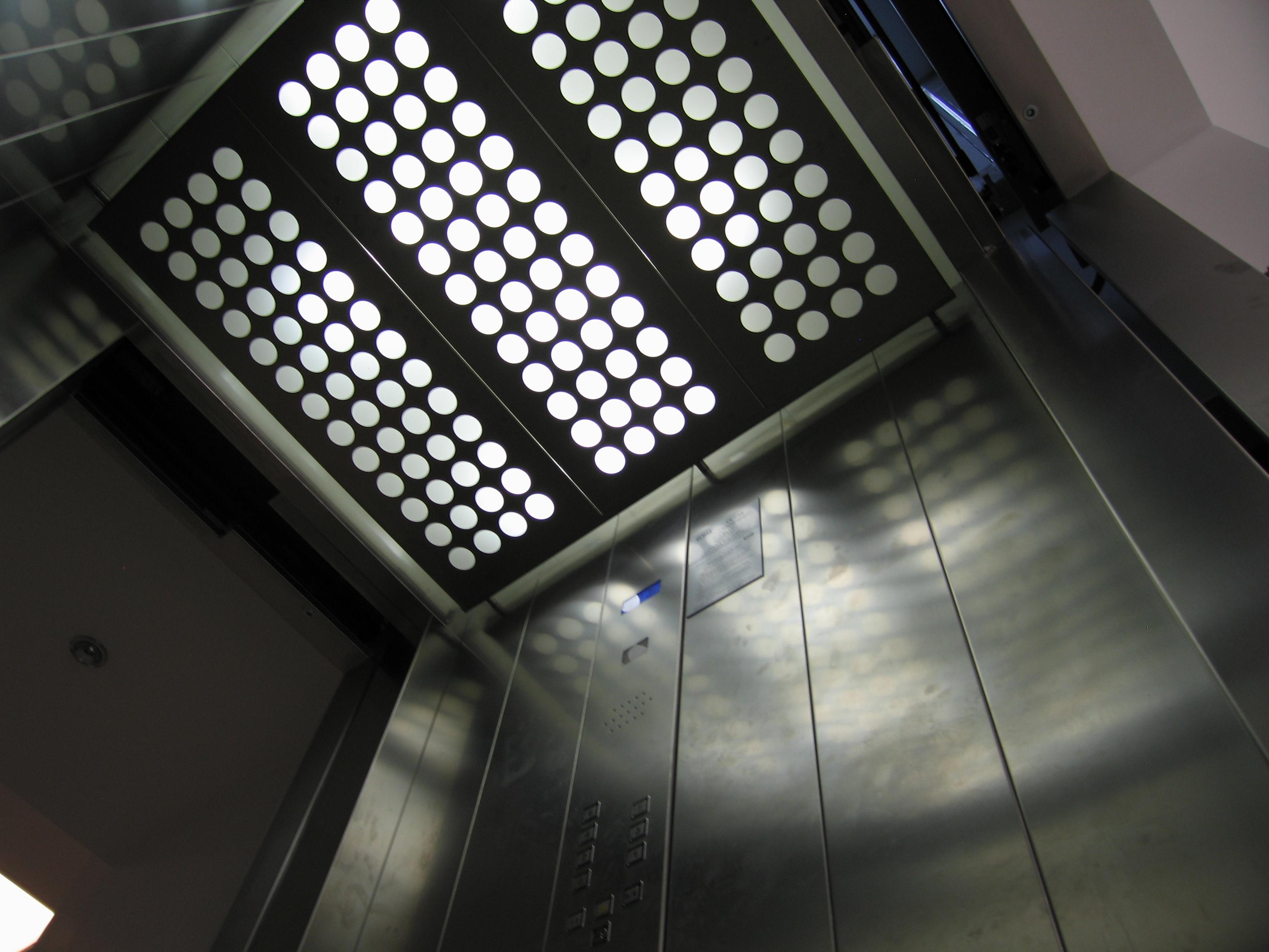 Ascensor panoramic - Spital - BRASOV ELMAS - Poza 1