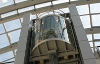 Ascensoare panoramice, electrice sau hidraulice Ascensoarele panoramice Elmas combina cele mai noi tehnologii din domeniu: monitorizare de la distanta, panouri de comanda cu automat programabil si software integrat, comunicare wireles.