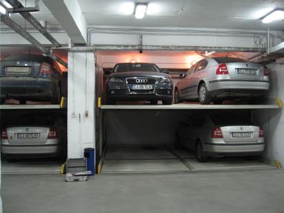 Utilizarea sistemului de parcare cu 2 platforme PARKLIFT 340 Sisteme de parcare - Sediu banca -