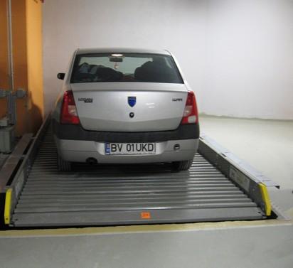 Autoturism pe platforma inclinata PARKLIFT 402 Sisteme de parcare - Sediu birouri - Bucuresti