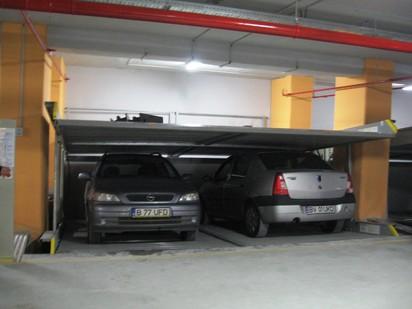 Utilizarea sistemului de parcare cu 2 niveluri PARKLIFT 402 Sisteme de parcare - Sediu birouri -
