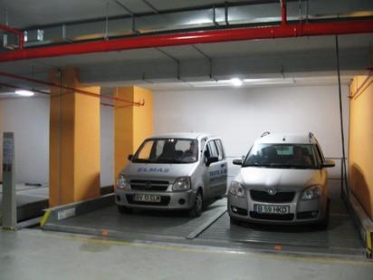 2 autoturisme pe platforma PARKLIFT 402 Sisteme de parcare - Sediu birouri - Bucuresti