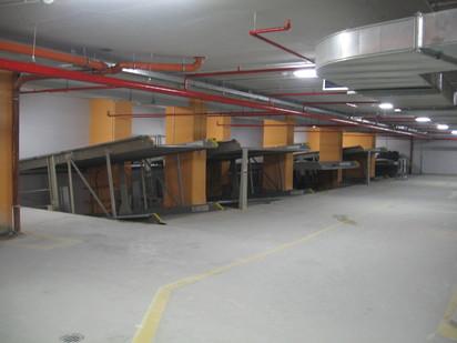 Prezentarea sistemului de parcare cu 2 platforme inclinate PARKLIFT 402 Sisteme de parcare - Sediu birouri