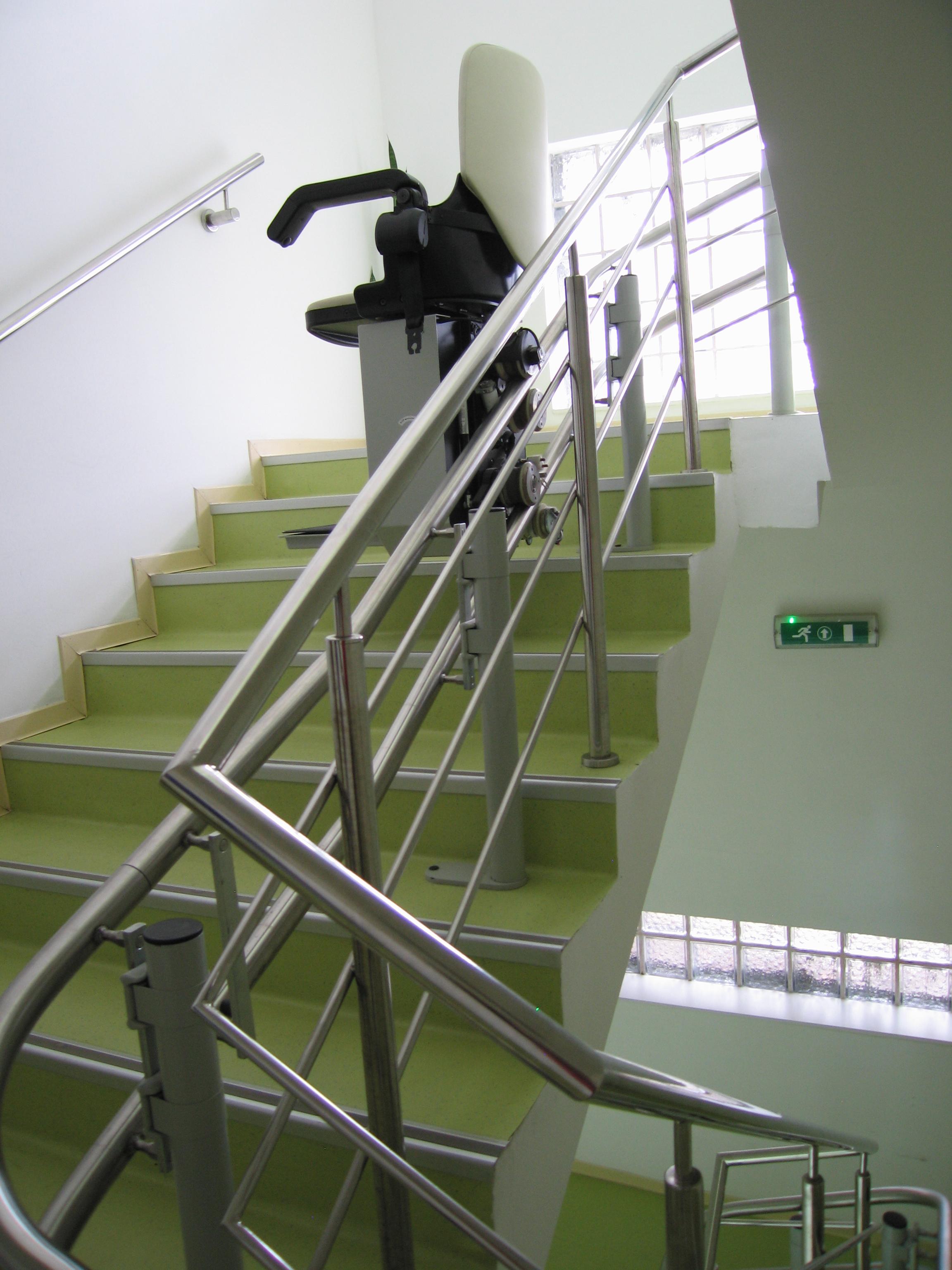 Lift pentru persoane cu dizabilitati (servoscara) HIRO 160 - 2 HIRO LIFT - Poza 2