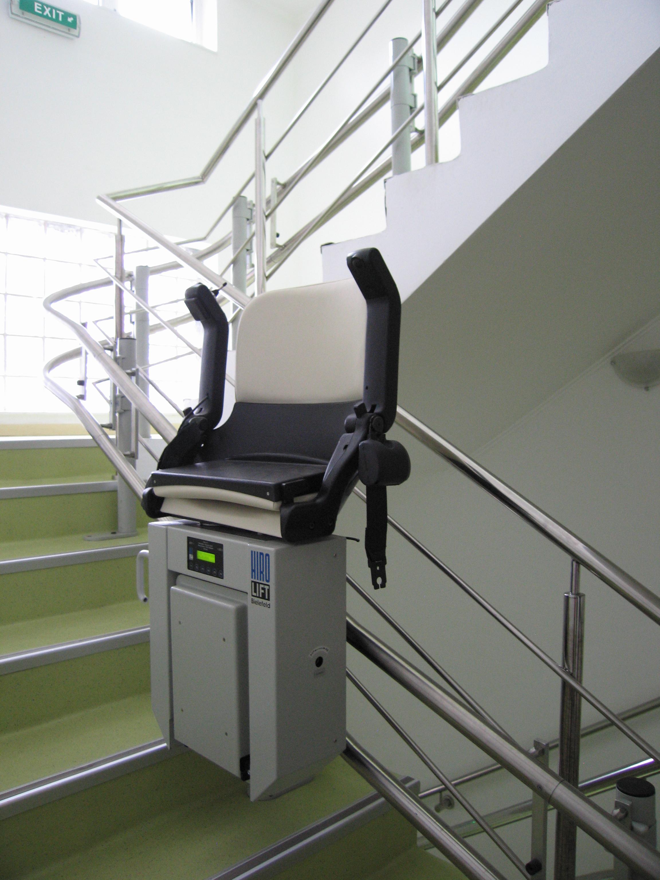 Lift pentru persoane cu dizabilitati (servoscara) HIRO 160 - 3 HIRO LIFT - Poza 3