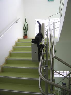 Exemple de utilizare Lift pentru persoane cu dizabilitati (servoscara) HIRO 160 - 4 HIRO LIFT - Poza 4