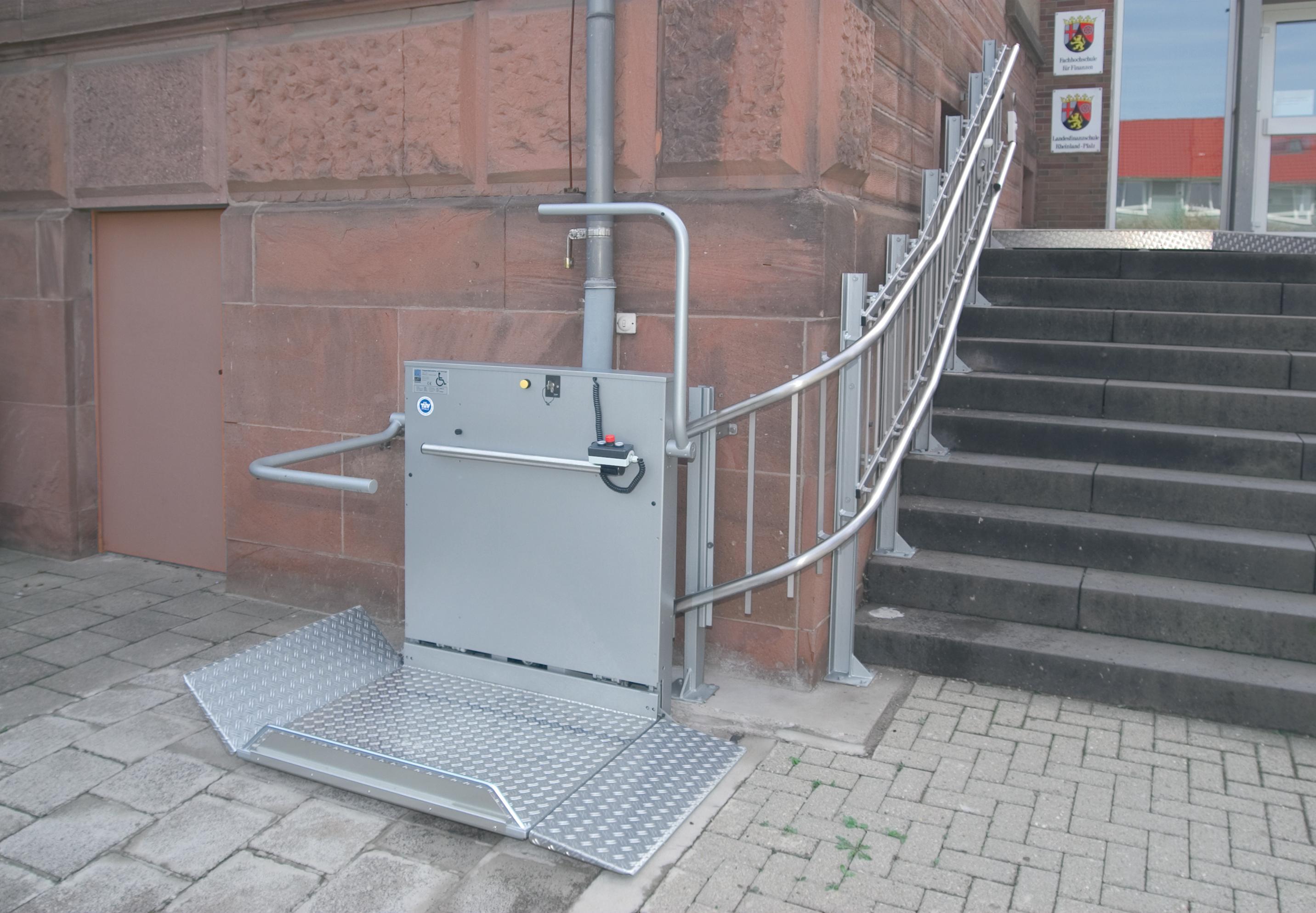 Platforma inclinata pentru persoane cu dizabilitati HIRO 320 - 2 HIRO LIFT - Poza 2