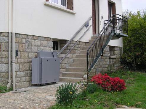 Exemple de utilizare Platforma inclinata pentru persoane cu dizabilitati HIRO 350 - 4 HIRO LIFT - Poza 4