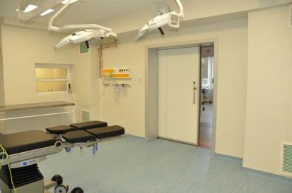 Salon medical cu usa ermetica KADRA TORMED  ER  Usi de spital ermetice automate