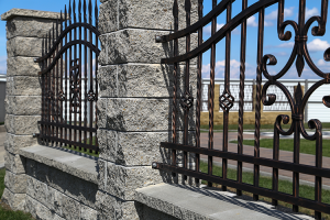 Elemente pentru garduri Kit-ul pentru gradina Gardeo este kit-ul ideal pentru garduri, care sa reziste o viata si care sa fie la fel de mult admirate odata cu trecerea timpului.