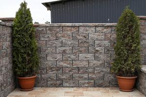 Elemente pentru ziduri  Kit-urile pentru gradina Symmetrica sunt kit-urile ideale pentru garduri si ziduri care sa reziste o viata si care sa fie la fel de mult admirate odata cu trecerea timpului.