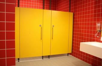 Placi HPL pentru compartimentari cabine sanitare, vestiare