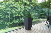 Sistem din aluminiu pentru balustrade din sticla fara cadru SABCO - sistem din aluminiu pentru balustrade din sticla fara cadru ce ofera 3 tipuri de finisaje: aluminiu natural, aspect tip inox sau colorat RAL.