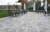Dale si borduri din beton Produsele Semmelrock se deosebesc de cele existente pe piata prin materialele rafinate, atent selectionate, suprafetele combinate elegant, ce creeaza combinatia perfecta intre estetic si functionalitate.