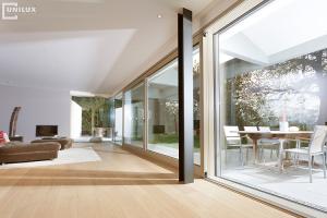 Usi glisante pentru exterior Usile glisante Unilux, fie ca vorbim de sisteme Lift-slide, armonice sau Pocket door, ofera solutia optima pentru deschideri mari.
