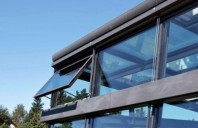Sisteme pentru desfumare si ventilare pereti cortina Ventilatie naturala controlata. Aer curat in orice spatiu. Eficienta energetica cu ajutorul ventilatiei naturale controlate.