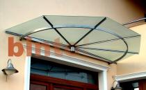 Copertine fixe pentru protectia impotriva precipitatiilor BINTEL ofera copertine fixe ce au ca principala menire realizarea unei minime protectii fata de precipitatiile atmosferice. Se pot monta la intrarea in case, magazine, hoteluri, sedii brouri.