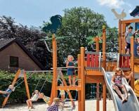 Echipamente de joaca din lemn, metal pentru copii