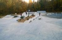 Skate park-uri - skateboarding, role si BMX Partenerul pe domeniul rampelor de skateboard este American Ramp Company, cel mai mare producator de asemenea echipamente din lume.