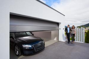Usi de garaj GUNTHER-TORE va ofera doua tipuri de usi de garaj: TREND 40 mm si CLASSIC 45 mm.