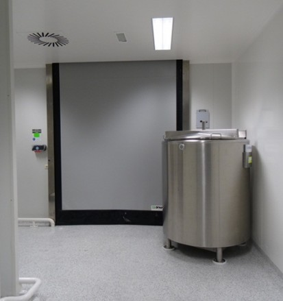 DYNACO-313-Cleanroom-high-speed-door-3 D-313 CLEANROOM Usi rapide de interior, pentru spatii curate
