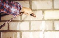 Hidroizolatii pentru subsoluri, balcoane, terase, piscine CERESIT garanteaza rezultate durabile in toate domeniile de aplicare: impermeabilizarea balcoanelor si a teraselor, etansarea statiilor de tratare a apei, a piscinelor, hidroizolarea bailor, bucatariilor.
