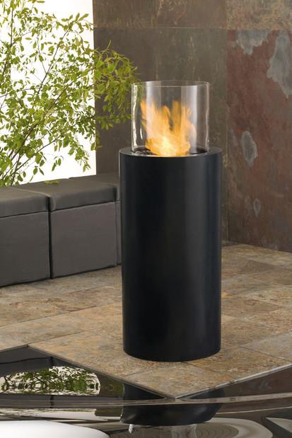 Seminee pe bioetanol pentru exterior si interior / Totem Commerce in patio