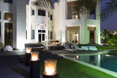 Seminee pe bioetanol pentru exterior si interior / Private Villa, Emirates Hills, Dubai, Bishop Design LLC