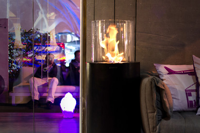 Seminee pe bioetanol pentru exterior si interior / Totem Commerce, House Of The Future Milan Design Week 2013