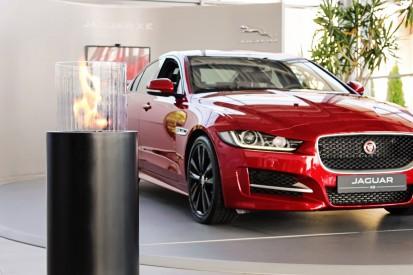 Seminee pe bioetanol pentru exterior si interior / Totem Commerce, Jaguar XE premiere, Poland_4