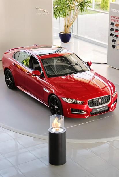 Seminee pe bioetanol pentru exterior si interior / Totem Commerce, Jaguar XE premiere, Poland