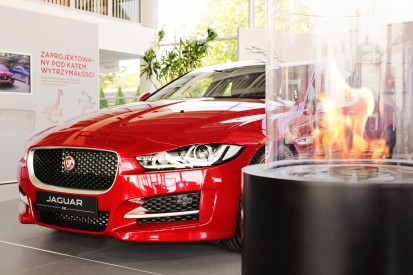 Seminee pe bioetanol pentru exterior si interior / Totem Commerce, Jaguar XE premiere, Poland_3