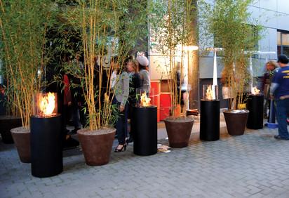 Seminee pe bioetanol pentru exterior si interior / Totem Commerce, Milan