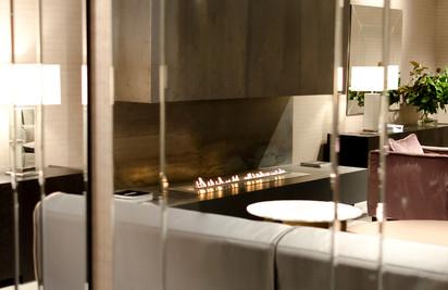 Semineu pe bioetanol cu insertii automate / FLA, Planika, Casa Milano Faris, Milan 2012