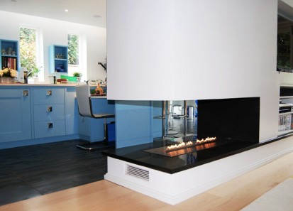 Semineu pe bioetanol cu insertii automate / FLA, Planika, Sue Symons Interiors, UK