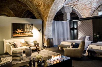 Semineu pe bioetanol cu insertii automate / FLA3, exhibition Sleep in Porto, Portugal, architect Best of Living - Catia de Sá Alves_3