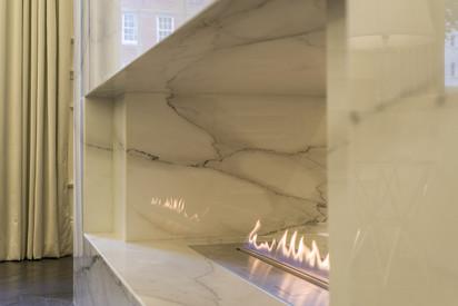 Semineu pe bioetanol cu insertii automate / FLA3, planika, Princes Gate, Knightsbridge, UK, Design Maybria Group (5)