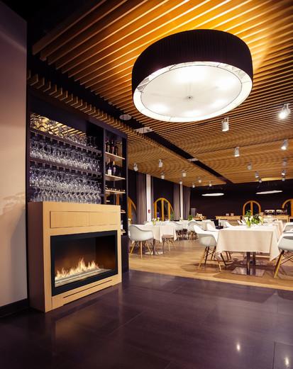 Semineu pe bioetanol cu insertii automate / FLA3, Restaurant Poziom 511 Design Hotel&SPA, Podzamcze, Poland, fot. Michal Kugacz
