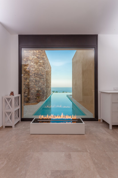 Semineu pe bioetanol cu insertii automate / FLA3_Girona, Spain_private residence, fot. - Michal Kugacz_ 2