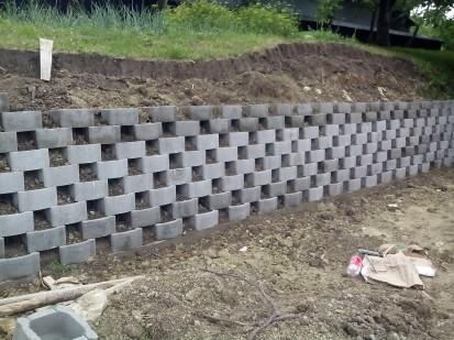 Jardiniere din beton / Boshung contrataluz