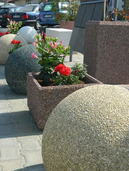 Mobilier urban / Bolarzi si jardiniere
