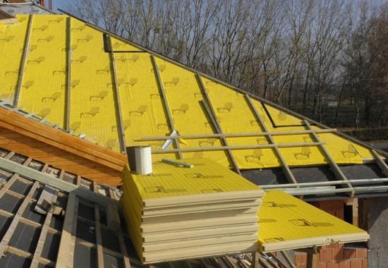 Termoizolatii poliuretan pentru acoperisuri inclinate, cu montaj intre capriori sau peste astereala BACHL