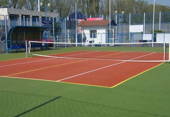 Pardoseli turnate pentru terenuri sportive CONICA