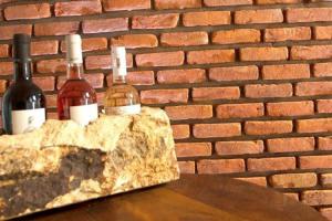 Piatra naturala decorativa sandstone (placaje) Sandstone Red Fileti Antique 4 x 20 x 2cm, Sandstone Rainbow Fileti Antique 4 x 20 x 2cm - Lichidare Stoc, Sandstone Rainbow 10cm x LL x 1cm, Sandstone Rainbow Fileti Antik 4 x 20cm - Lichidare Stoc