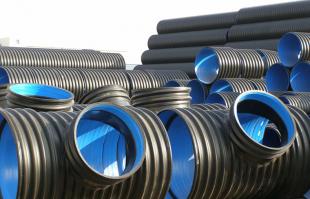 Tevi HDPE, ranforsate cu profil interior din otel galvanizat Designul inovator al tevilor PALADEX combina proprietatile tipice de rezistenta la abraziune ale polietilenei cu proprietatile otelului, avand un modul de elasticitate de 200 de ori mai mare.