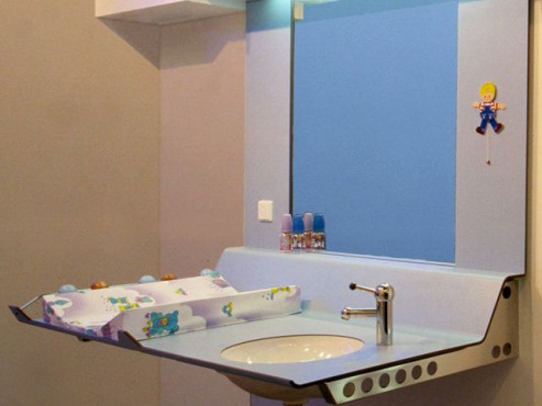 Exemple de utilizare Placi HPL pentru grupuri sanitare FUNDERMAX - Poza 1